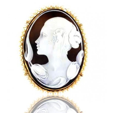 Broche camafeo con perlas